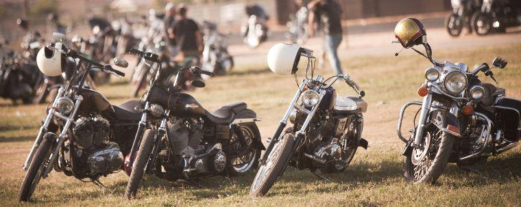 Motorräder gehören zum Lifestyle und zur Inspiration von Loser-Machine.