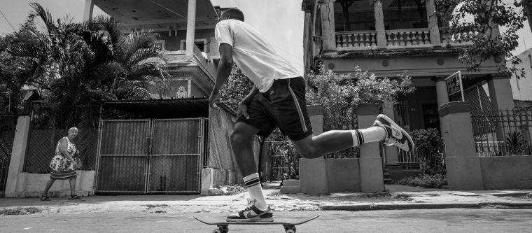 Ishod Wair skatet in den Socken von Stance.