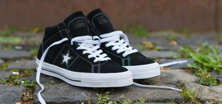 The One Star Pro Mid skate shoe from CONS.