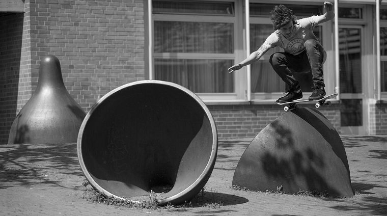 Forvert team rider Dominik Mosh Peters with an ollie.