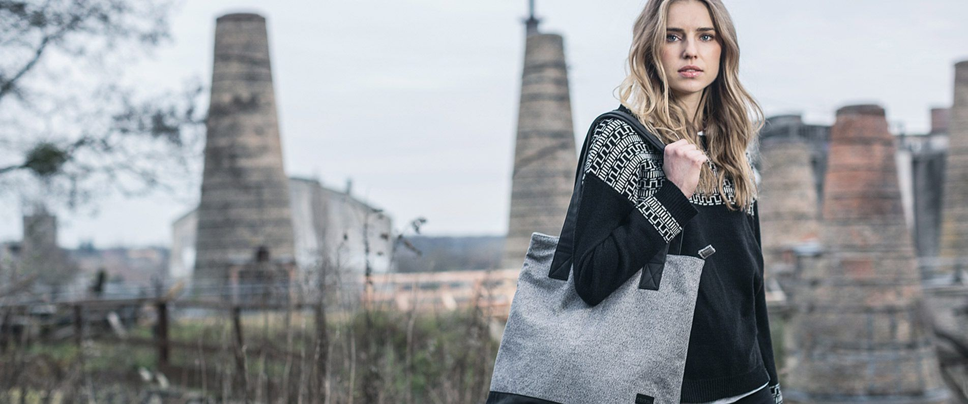 Stylish streetwear for women from Iriedaily.