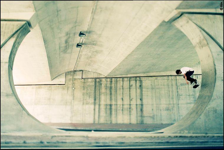 El patinador de JART Ivan Rivaldo con un BS Flip.