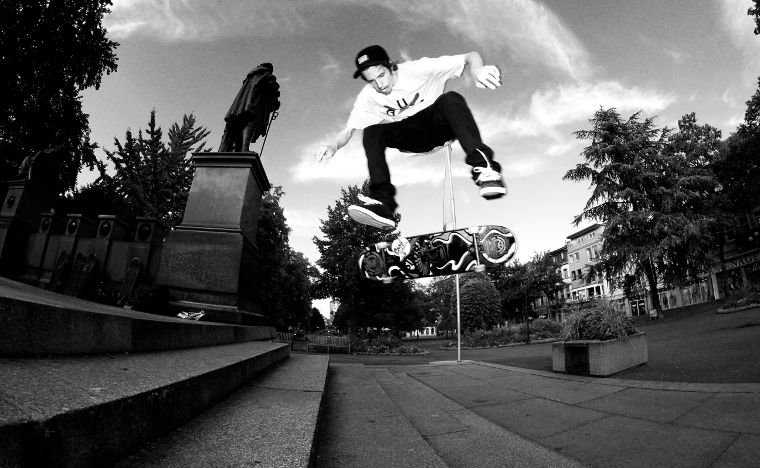 Matthias Matze Wieschermann from the Titus Wiesbaden Team with a Switch Heelflip in the city of Worms.