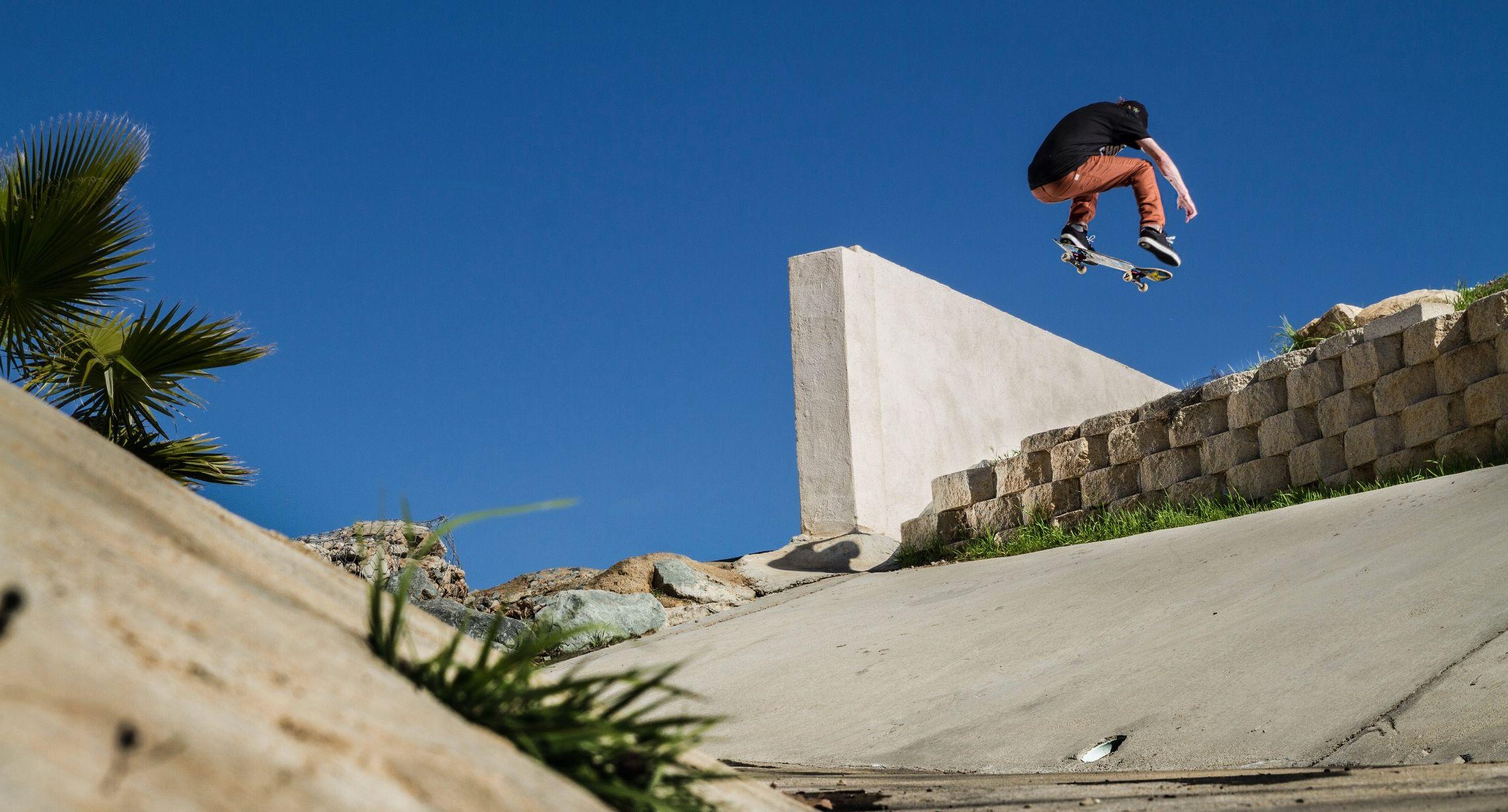 Pro Skater Greg Lutzka ist in den Schuhen von Osiris unterwegs.